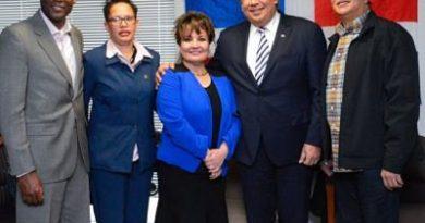 Cónsul Castillo se reúne con la comunidad dominicana en Albany