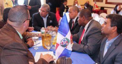 Consulado de RD en NY apela deportaciones de siete dominicanos