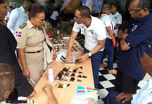 Presos de La Victoria confeccionan y exhiben productos artesanales en Feria del Libro