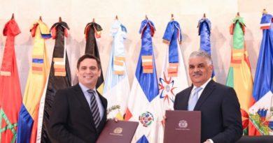 MIREX y CEI-RD firman convenio de colaboración para promover exportaciones
