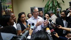 Sustituto del Procurador recibe documento de jóvenes que protestan contra la corrupción
