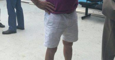 VIRAL ;foto de Ángel Rondón en pantalones cortos en el Palacio de Justicia