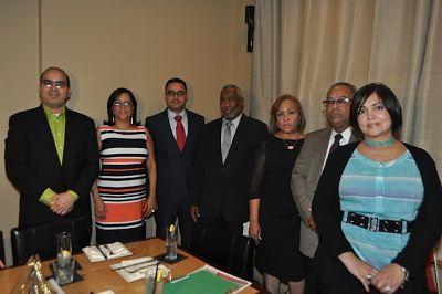 Desfile dominicano presenta nueva directiva a la comunidad