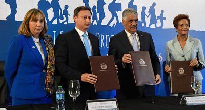 Firman acuerdo para proteger a los dominicanos que retornan al país
