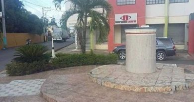 Revuelo y repulsa por retiro de busto de Duarte en entrada principal de Fantino