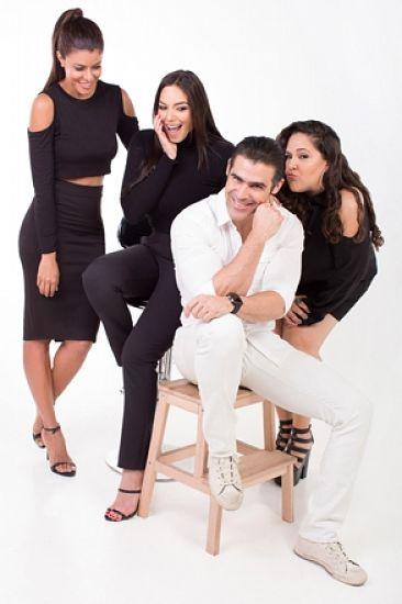 """Hony, Evelyna, Laura y Cortines en la obra """"Tres"""""""