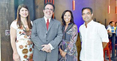 Abre Domino's Bistro Downtown Punta Cana