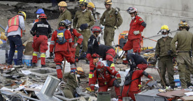 Terremoto en México: Cifra de muertos sube a 320 con mujer encontrada en la escuela Rébsamen