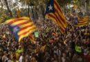 Miles de españoles salieron a las calles para pedir diálogo y unidad ante la crisis catalana
