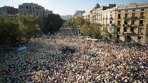 Alta tensión en España: Cataluña vota en un referéndum ilegal para decidir su independencia