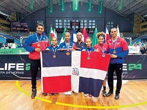 RD, 2 plata y 4 bronce en torneo de bádminton