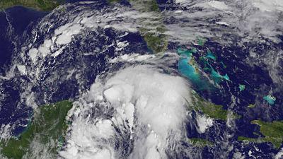 El huracán Nate se dirige hacia el centro del golfo de México