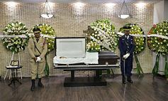Familiares y amigos le dieron el último adiós al doctor Rojas Nina