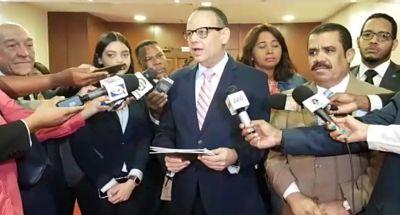 FJT deposita proyecto de ley para castigar el feminicidio con cadena perpetua