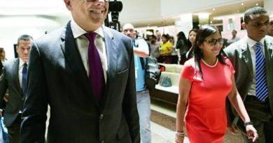 División y presiones alejan diálogo de Venezuela en la República Dominicana