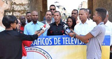 El Círculo de Reporteros Gráficos de Televisión Inc, realizó una ofrenda floral en el Altar de la Patria para conmemorar un aniversario más del Día Nacional del Reportero Gráfico.