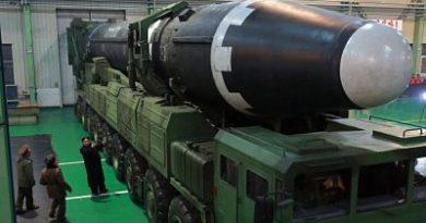 Corea del Norte 'presume' de su último misil balístico