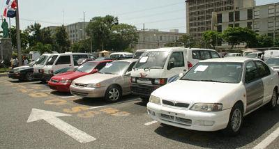 Banda robaba carros de alquiler y los vendía con papeles falsos