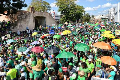 La Marcha Verde y los casos de corrupción pusieron contra la pared al Gobierno