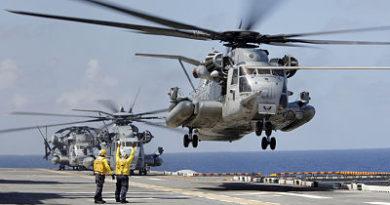 Una ventanilla de un helicóptero militar de EE.UU. cae sobre un alumno de primaria en Japón