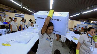 El Tribunal Supremo Electoral de Honduras accede a revisar las actas polémicas de las elecciones