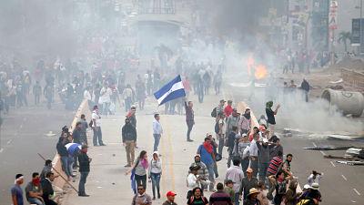 Honduras: Opositores son reprimidos en medio de protestas que denuncian fraude electoral