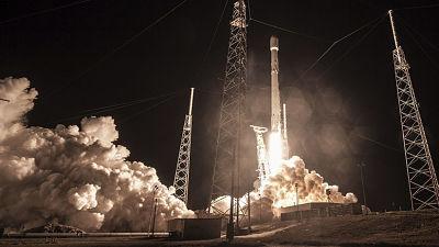 """Reportan que el satélite secreto lanzado por SpaceX es """"una pérdida total"""""""
