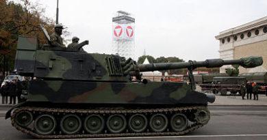 La Policía de Alemania detiene a un convoy con obuses estadounidenses