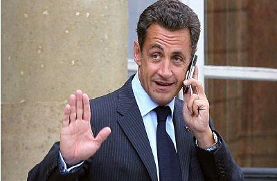 Detienen a empresario francés cercano a Sarkozy por caso de corrupción