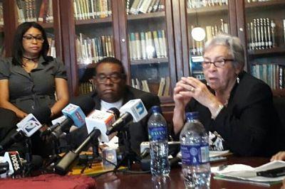 Gobierno y médicos acuerdan revisar salarios y pensiones