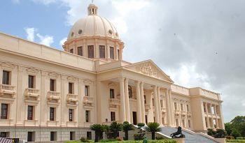 ¿Violó Danilo Medina las leyes al quitar funcionarios antes de tiempo?
