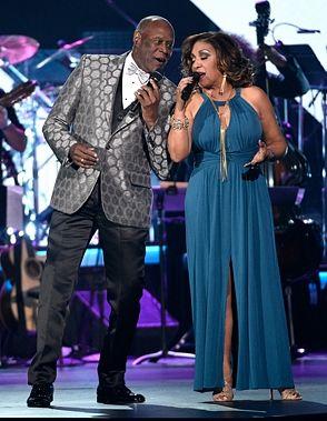 Milly y Johnny cantarán en Premio Lo Nuestro