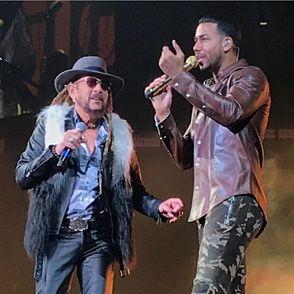 Toño Rosario pone hasta a Romeo a cantar «Dale vieja dale»