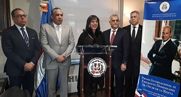 Cancillería anuncia Premio Oscar de la Renta a dominicanos en exterior con RD$ 1 millón