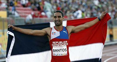 Luguelin Santos gana su puesto para la final de los 400 metros planos del Mundial Bajo Techo