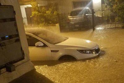 Inundaciones urbanas en sectores de Puerto Plata tras fuertes aguaceros
