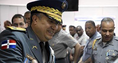 A la Policía Nacional se le agota el plazo para reducir el número de generales
