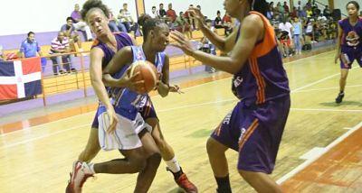 Las Reinas y las Olímpicas mantienen su invicto en la Liga Nacional de Baloncesto Femenino