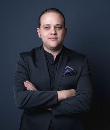 Músico Antonio González navega en varios ritmos populares