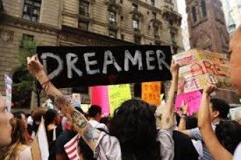 """""""¡No más acuerdo de DACA!"""": Trump descarta el estatus legal para los inmigrantes llegados de niños"""