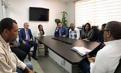 MOPC promete la construcción del tramo carretero que comprende las comunidades de Mangá y Copey, en Montecristi.
