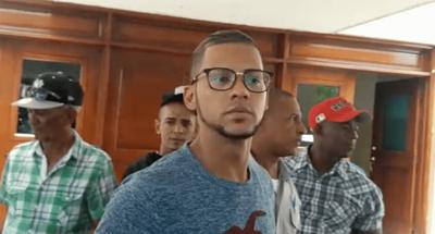 Aplazan juicio contra hombre emprendió a tiros contra colegio en Baní