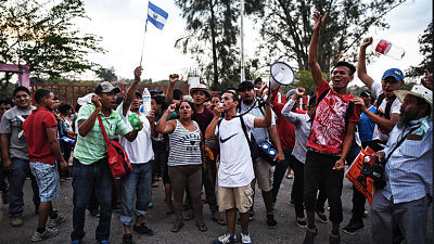 México otorga visas de tránsito a caravana de inmigrantes que se dirigen hacia EE.UU.