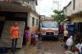 Más de 4.000 desplazados por las lluvias en República Dominicana