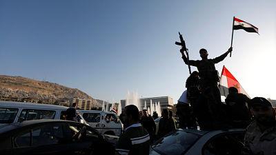 Los sirios protestan en Damasco contra el ataque de EE.UU. y sus aliados