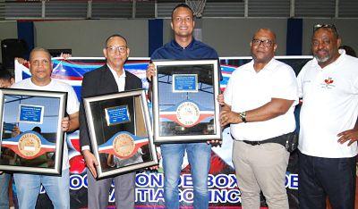 Comienza torneo provincial de boxeo, reconocena Espinal, Martínez y Pérez, entregan utilería