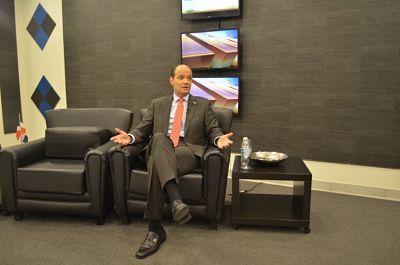 Ramfis Dominguez Trujillo rectifica en el programa Síntesis que tiene 50 millones de dolares para competir en el 2020