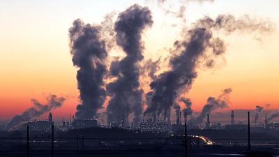 """Terrible advertencia de la OMS: """"Los pobres no pueden respirar"""""""