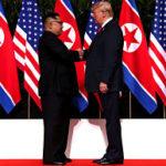 Donald Trump y Kim Jong-un se estrechan la mano en Singapur