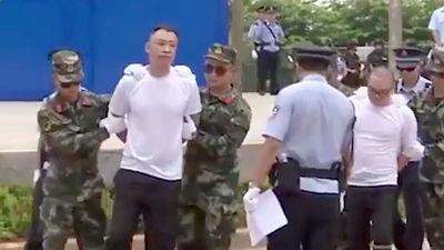 Así exhiben en China a dos narcotraficantes sentenciados al paredón de fusilamiento